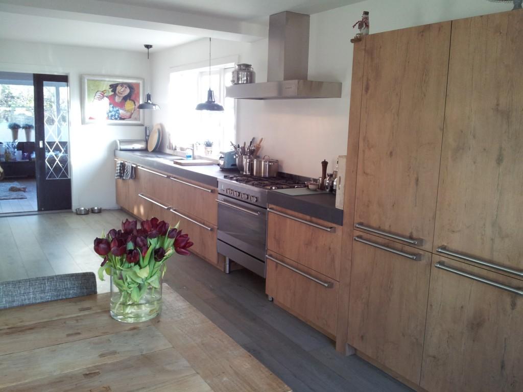 Keuken referentieklant de jong grando keukens bad zaandam - Keuken licht eiken ...