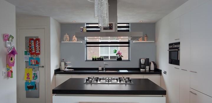 Keuken Wit Greeploos : Keuken greeploos wit Handgemaakt ? Grando Keukens & Bad Zaandam