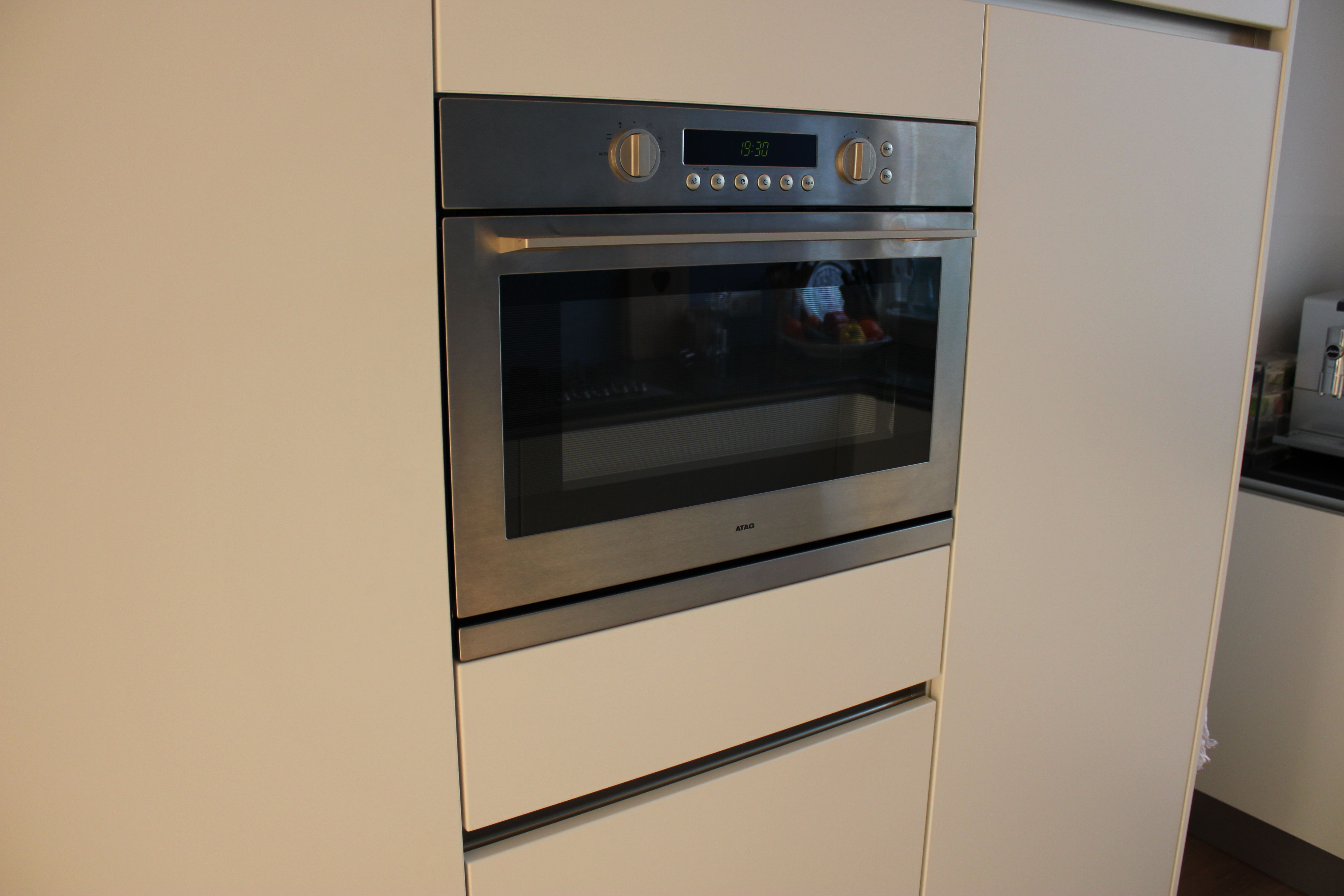 Keuken Met Gratis Quooker : Atag inbouwapparatuur met 8 jaar garantie – ABK plafondunit – Quooker