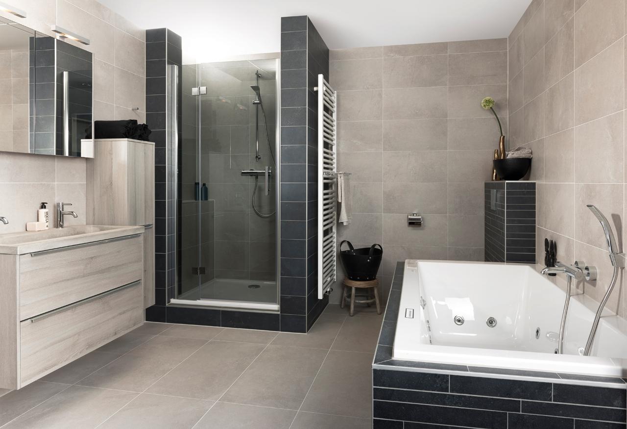 Kleine Vierkante Badkamer ~ Tegels cadeau bij uw badkamer  Grando Zaandam